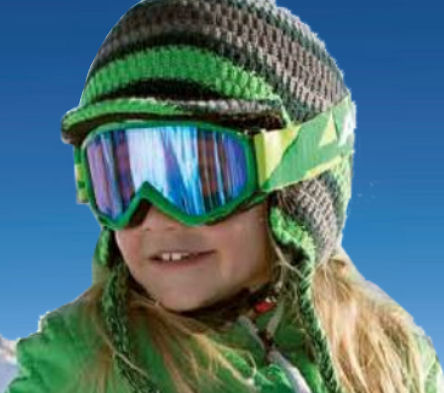 een kinder skihelm is in de meeste landen verplicht om te dragen